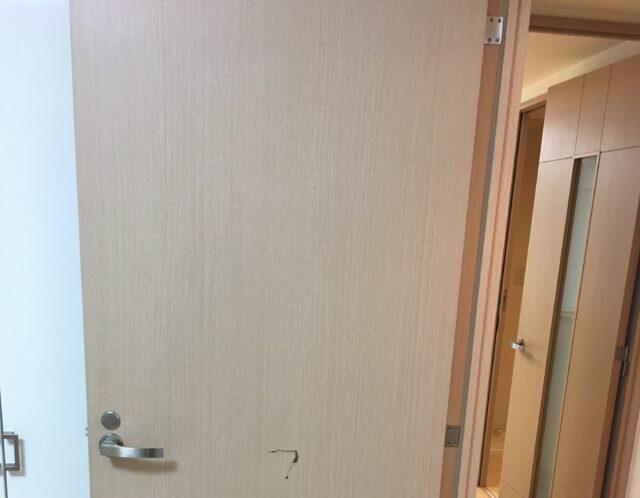 ドアの穴と壁の穴補修